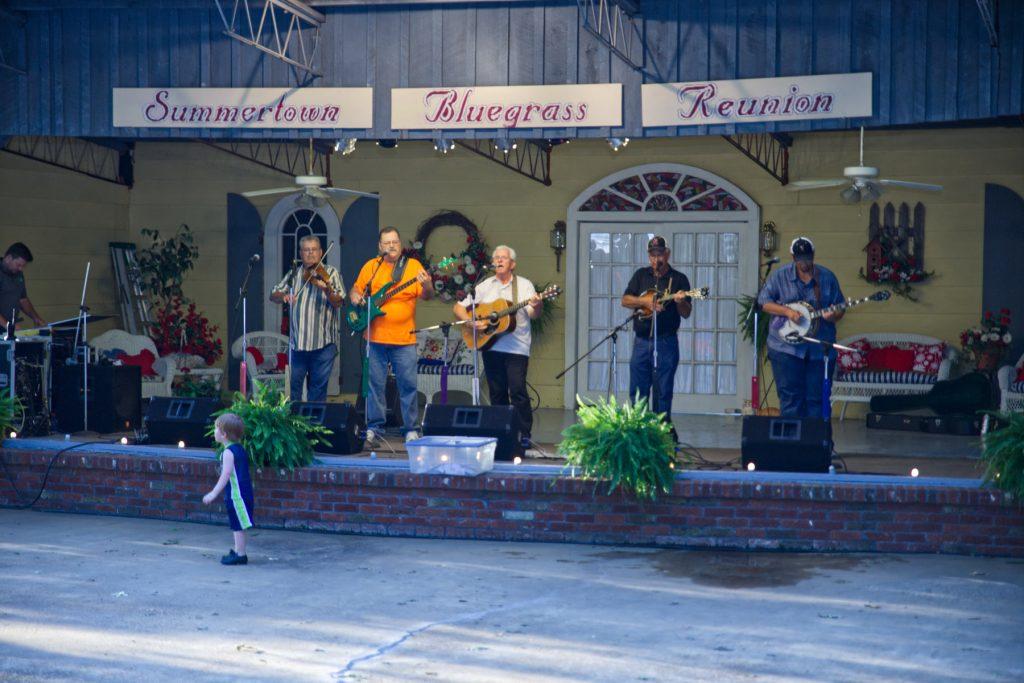 bluegrass band in summertown bluegrass reunion event.